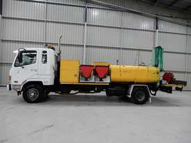 Mitsubishi FK600 Fighter Cab chassis Truck - picture1' - Click to enlarge