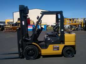 Nissan 3T Used LPG Forklift UGL02A30U - picture1' - Click to enlarge