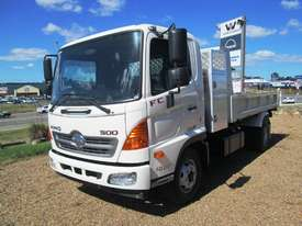 Hino FC 1022-500 Series Tipper Truck - picture1' - Click to enlarge
