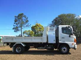 Hino FC 1022-500 Series Tipper Truck - picture3' - Click to enlarge