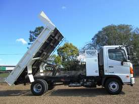 Hino FC 1022-500 Series Tipper Truck - picture17' - Click to enlarge