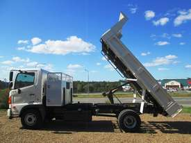 Hino FC 1022-500 Series Tipper Truck - picture18' - Click to enlarge