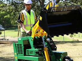 KANGA DT725 7 SERIES DIESEL MINI LOADER - picture0' - Click to enlarge