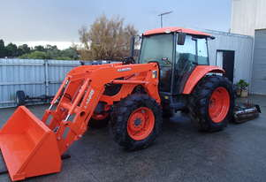 kubota M108s 2011 tractor with front end loader