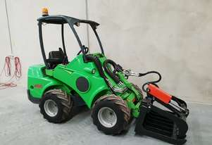Used Avant 635 Articulated Loader with New Grapple Forks HD