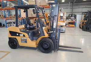 Caterpillar CAT 3.0T LPG Forklift GP30N