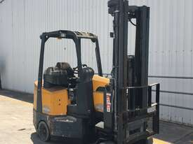 2.0T Battery Electric Narrow Aisle Forklift - picture0' - Click to enlarge
