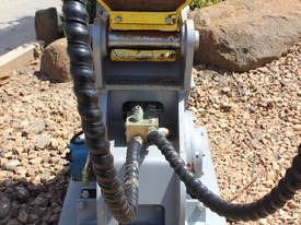 EXCAVATOR COMPACTION PLATE ATTACHMENT FRC40 - picture14' - Click to enlarge