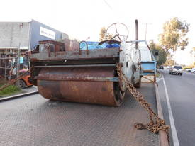 cricket pitch roller , auto/roller diesel - picture2' - Click to enlarge