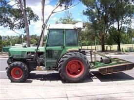 275V vinyard tractor , front 3PL and PTO ,  - picture0' - Click to enlarge