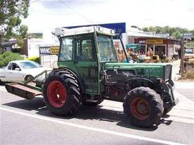 275V vinyard tractor , front 3PL and PTO ,  - picture1' - Click to enlarge