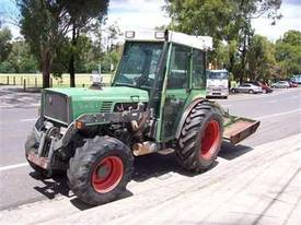 275V vinyard tractor , front 3PL and PTO ,  - picture2' - Click to enlarge