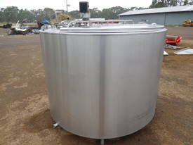 STAINLESS STEEL TANK, MILK VAT 2800 LT - picture0' - Click to enlarge