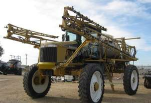 RoGator 1074 Boom Spray Sprayer