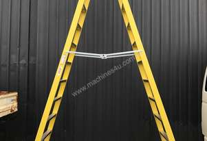 NEW Fibreglass Double Sided Stepladder