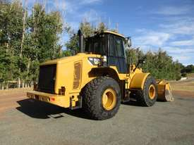 Caterpillar 950H Loader/Tool Carrier Loader - picture3' - Click to enlarge