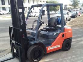 Toyota Forklift 8FG30 3 Ton 4.5m Lift Low Hrs $16999+ GST *Negotiable* - picture2' - Click to enlarge
