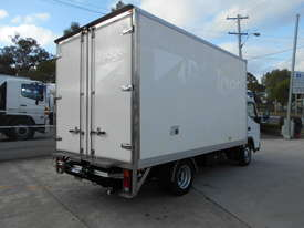 2015 Mitsubishi CANTER FE 515 PANTECH - picture4' - Click to enlarge