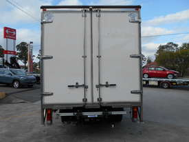 2015 Mitsubishi CANTER FE 515 PANTECH - picture5' - Click to enlarge