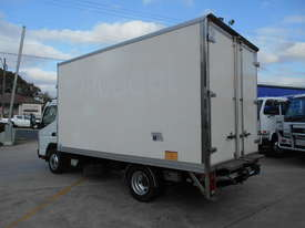 2015 Mitsubishi CANTER FE 515 PANTECH - picture6' - Click to enlarge
