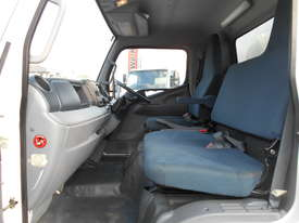 2015 Mitsubishi CANTER FE 515 PANTECH - picture12' - Click to enlarge