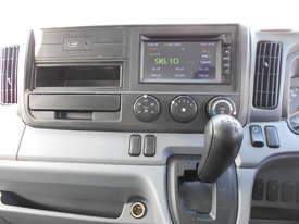 2015 Mitsubishi CANTER FE 515 PANTECH - picture15' - Click to enlarge