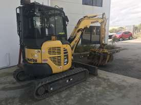 Komatsu PC35MR Mini Excavator  - picture2' - Click to enlarge