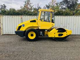Bomag BW177 Vibrating Roller Roller/Compacting - picture0' - Click to enlarge