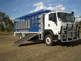 Isuzu FXD Stock/Cattle crate Truck - picture0' - Click to enlarge