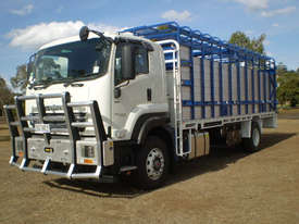 Isuzu FXD Stock/Cattle crate Truck - picture2' - Click to enlarge