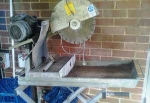 BT Brick Saw   Electric