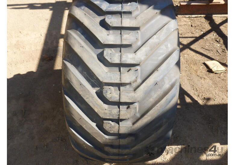 400/60-15.5 flotation tyre and rim assembly