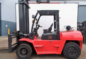 Used Forklift: R70L Genuine Preowned Linde 7t