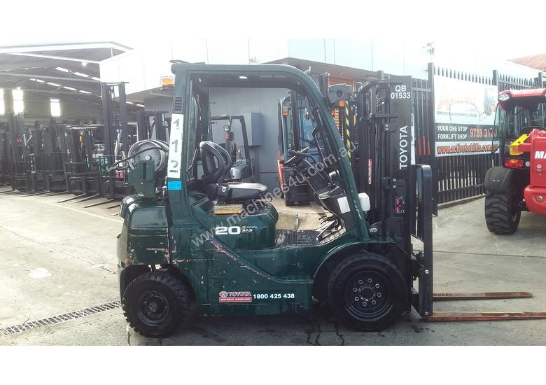 Toyota Forklift 8FG20 2 Ton 3m Container Entry Good Condition low Hrs