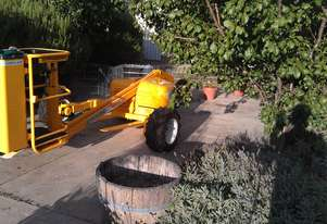 Hydralada Compact 300 Elevated Orchard Picker