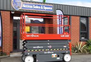 SKYJACK SJIII-3226 ELECTRIC SCISSOR LIFT