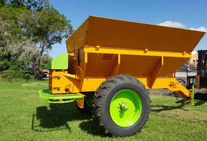 5.5 Tonnes multi spreader Lime,Manure & Granular fertiliser spreader
