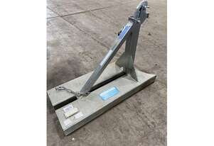 EASTWEST ENGINEERING FORKLIFT DRUM LIFTER