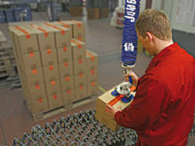 Jumbo Flex picks up boxes, sacks, barrels, cans, etc. - picture2' - Click to enlarge