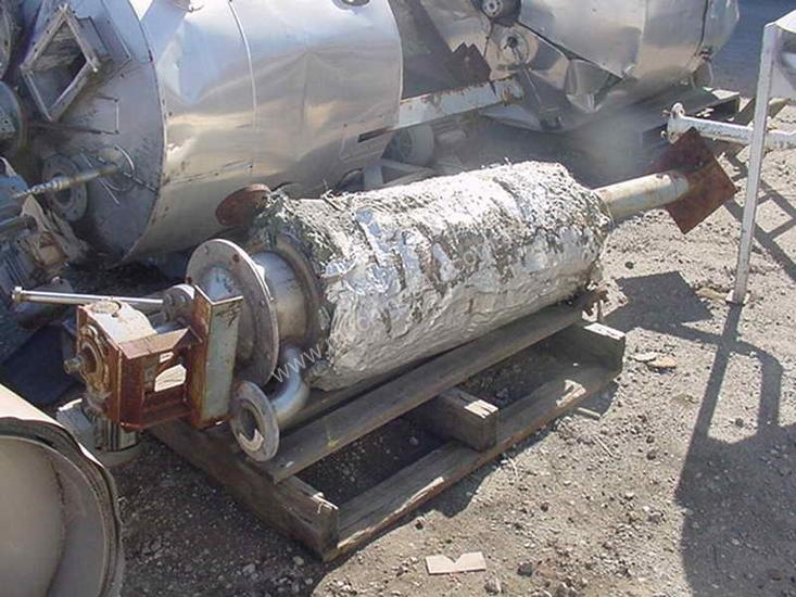 Stainless Steel jacketed mixing tank with agitator