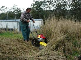DCS 60 Traction Self-propelled Brushcutter - picture2' - Click to enlarge