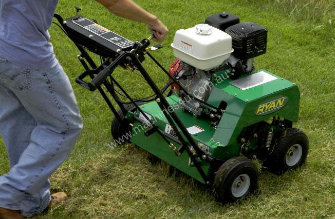 lawn thatching machine