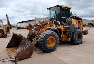Hyundai HL757-9 Loader *PARTS MACHINE AS IS*