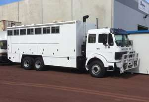 Mercedes Benz 2233 Stock/Cattle crate Truck