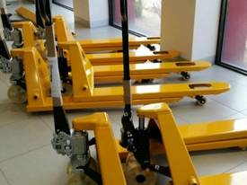 Victory VP25 Pallet Truck Forklift - picture1' - Click to enlarge