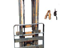 2 Stage Forklift /Tractor Mast w/h Complete kit - picture0' - Click to enlarge
