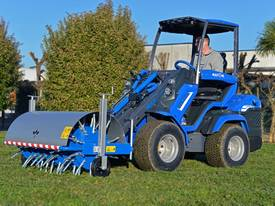 Multione Turf/Lawn Core Aerator - picture2' - Click to enlarge