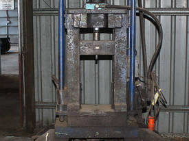 Hydraulic Fabricated Press Long Stroke 3 Phase - picture0' - Click to enlarge