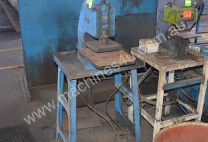 PNEUMATIC PRESS PEDAL CONTROL Metalwork