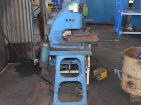 PNEUMATIC PRESS PEDAL CONTROL Metalwork - picture3' - Click to enlarge